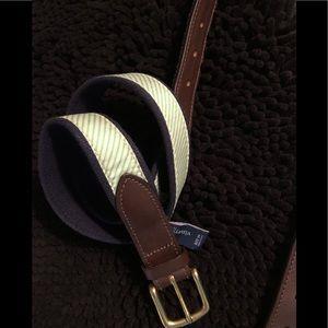 Vineyard Vines men's belt 34